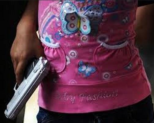 joven pistola