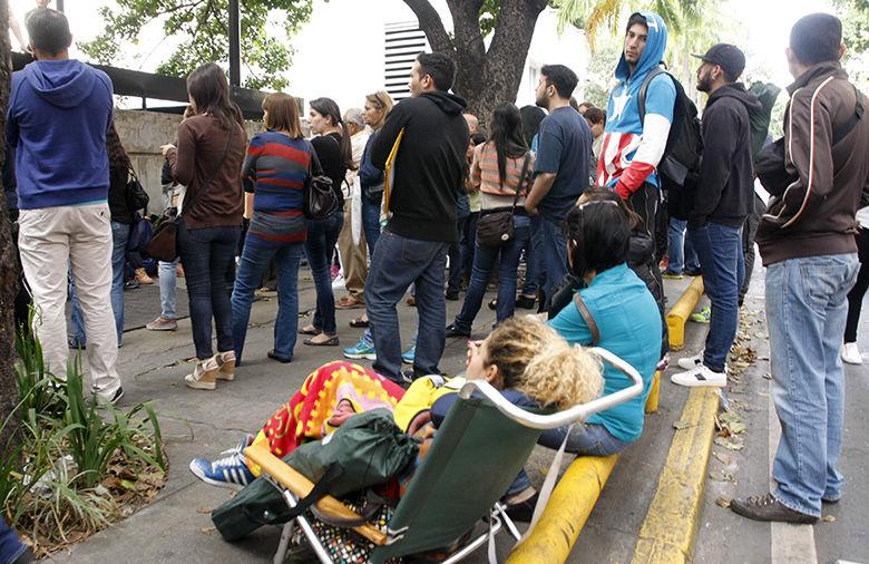 Consulado-Foto-Antonio-AlvarezEl-Nacional_NACIMA20140120_0115_3