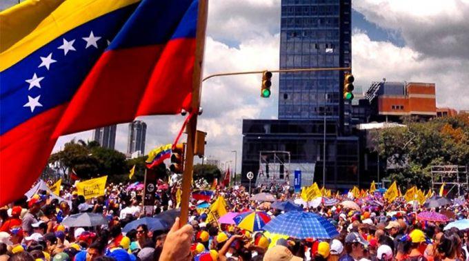 ManifestacionVenezuela_durdaneta_Wikipedia_CC_BY_2.0