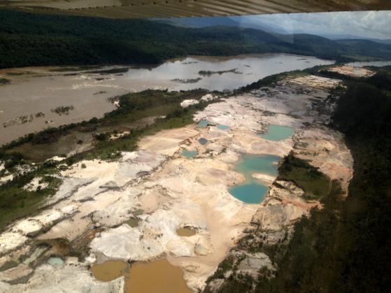 mineria ilegal río carrao 2