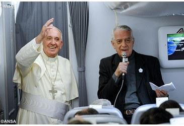 Papa Francisco y portavoz Lombardi