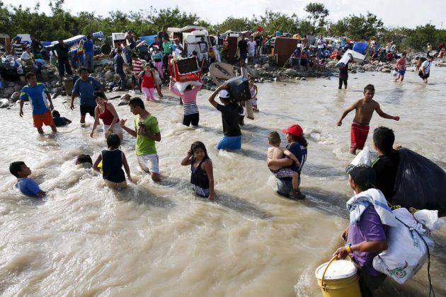 Colombianos expulsados de Venezuela