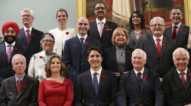 Trudeu y su gabinete - Foto AFP