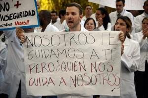 Según el jesuita, Venezuela vive un empobrecimiento espantoso, con la salida de varios profesionales en busca de mejores salarios en Ecuador