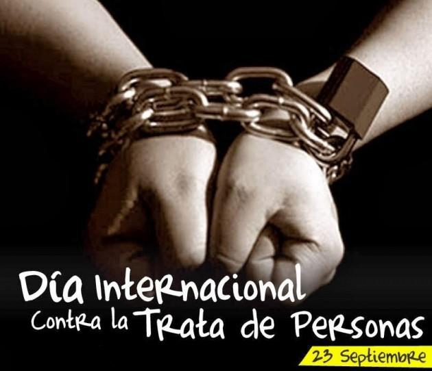 dia-internacional-contra-la-trata-de-personas-hablando-joven
