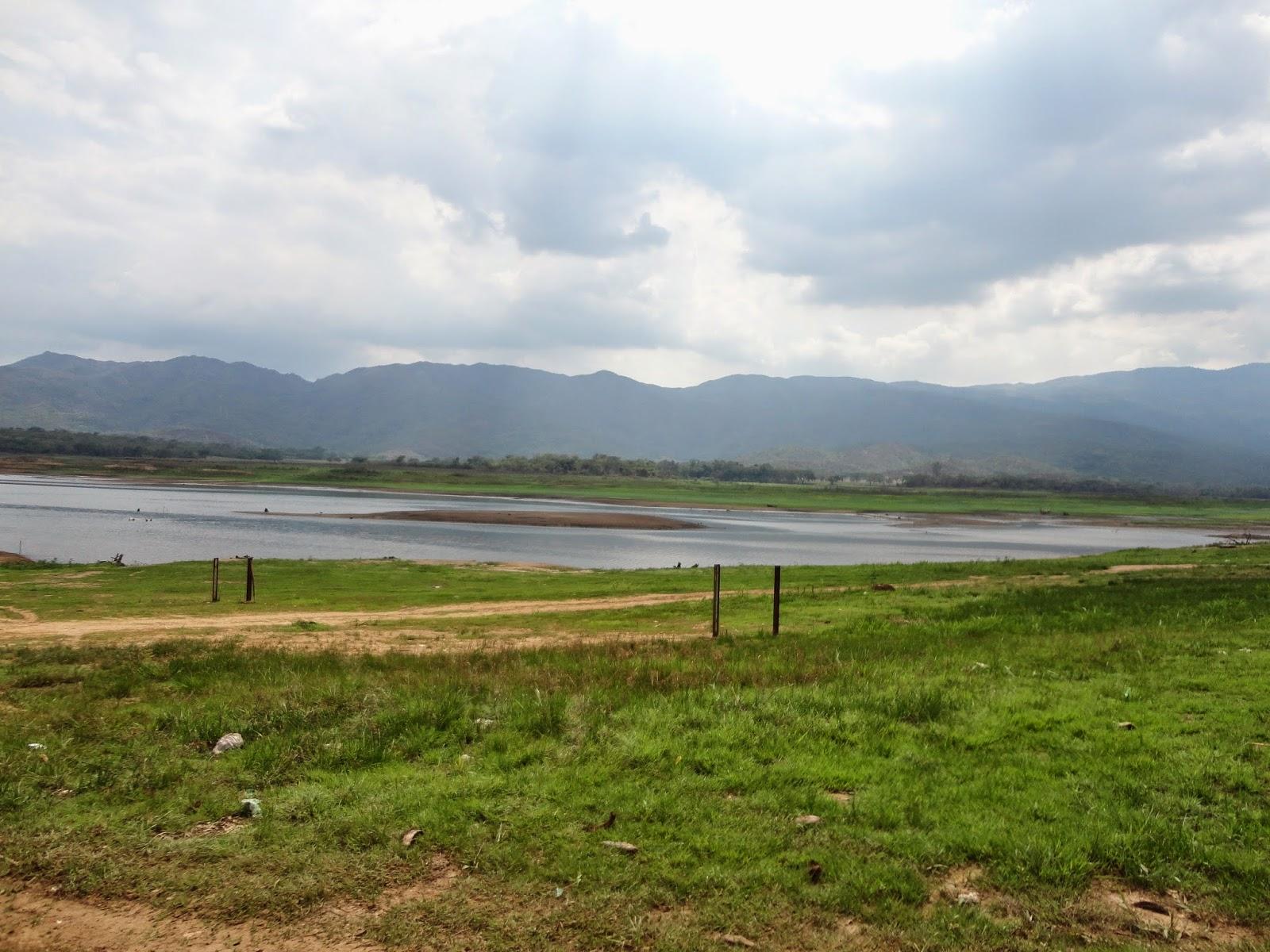 dique-guataparo-seco-debajo-5cm-extraccion-de-nivel-0-cota-501-15-msnm-13-de-mayo-2014
