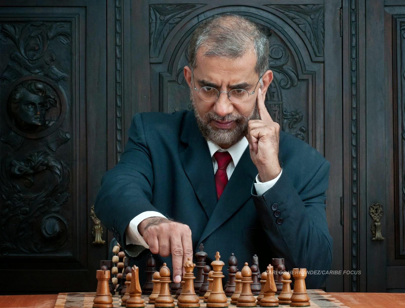 Victor-Alvarez-economista
