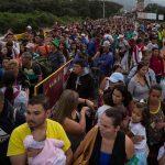 VEnezolanos cruzando frontera con colombia