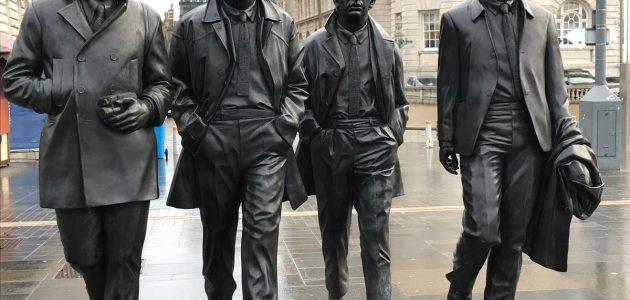 The Beatles estatua