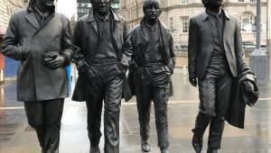 The Beatles estatua